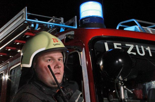 Funkgerät Kontakt zur Feuerwehr Zündorf